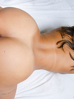 MikeInBrazil presents Vanessa Prado in Slippery Vanessa
