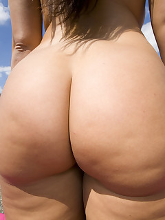 Female-dominant Sonia Carrere. Sonia has got a large ass.